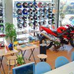 バイクショップの商談コーナーのデザイン、設計