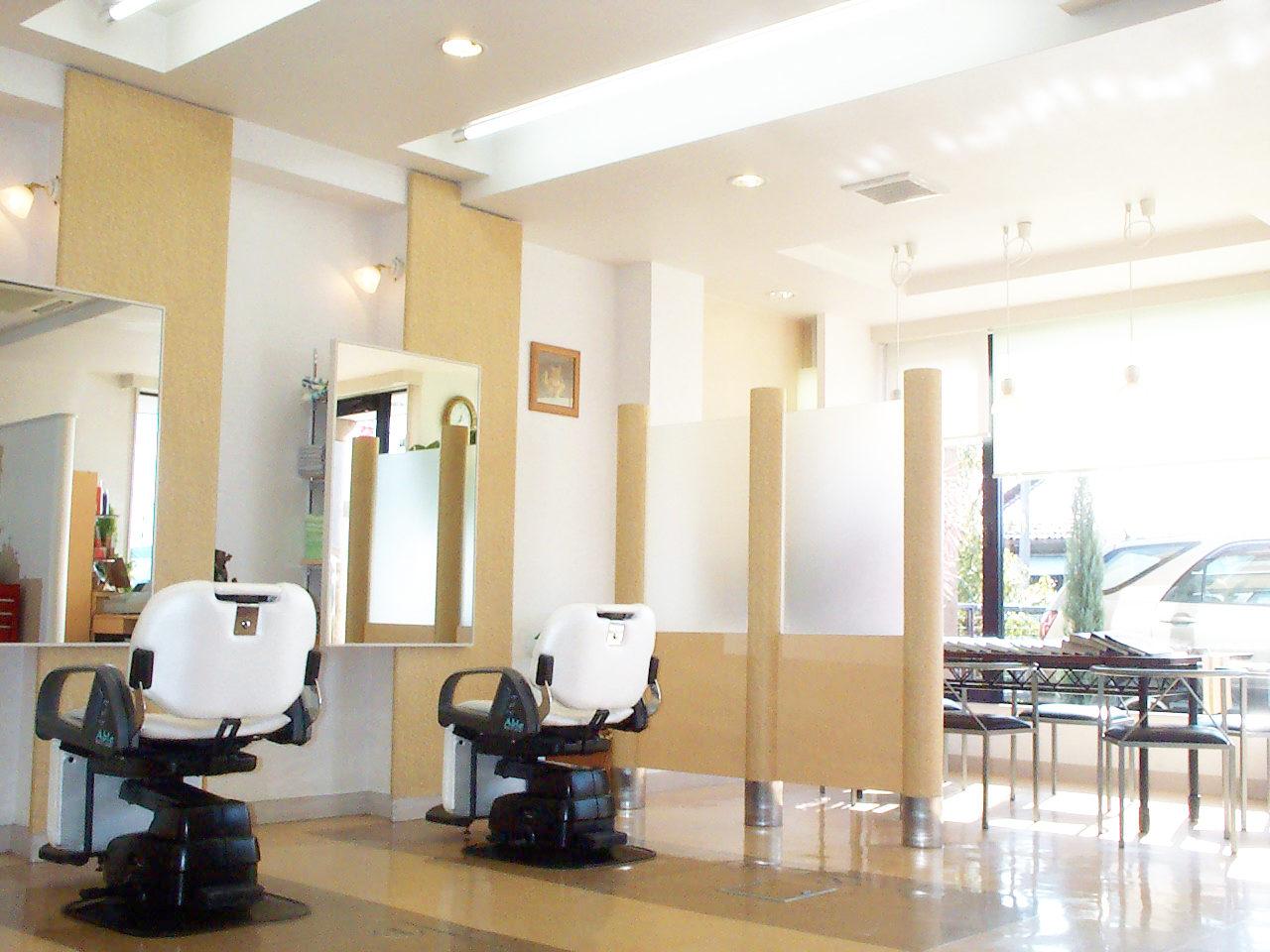 美容院、理容院併用3階建て店舗付き住宅の新築店舗デザイン、設計