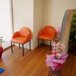 美容室のかわいい待合室の店舗デザイン、設計