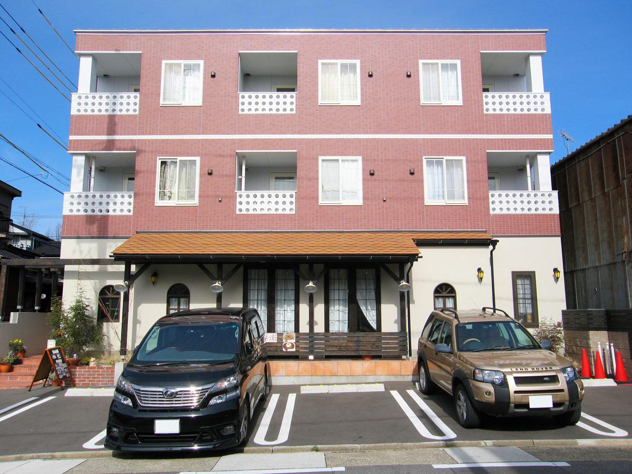設計したギャラリーとカフェ付き賃貸マンション|名古屋市