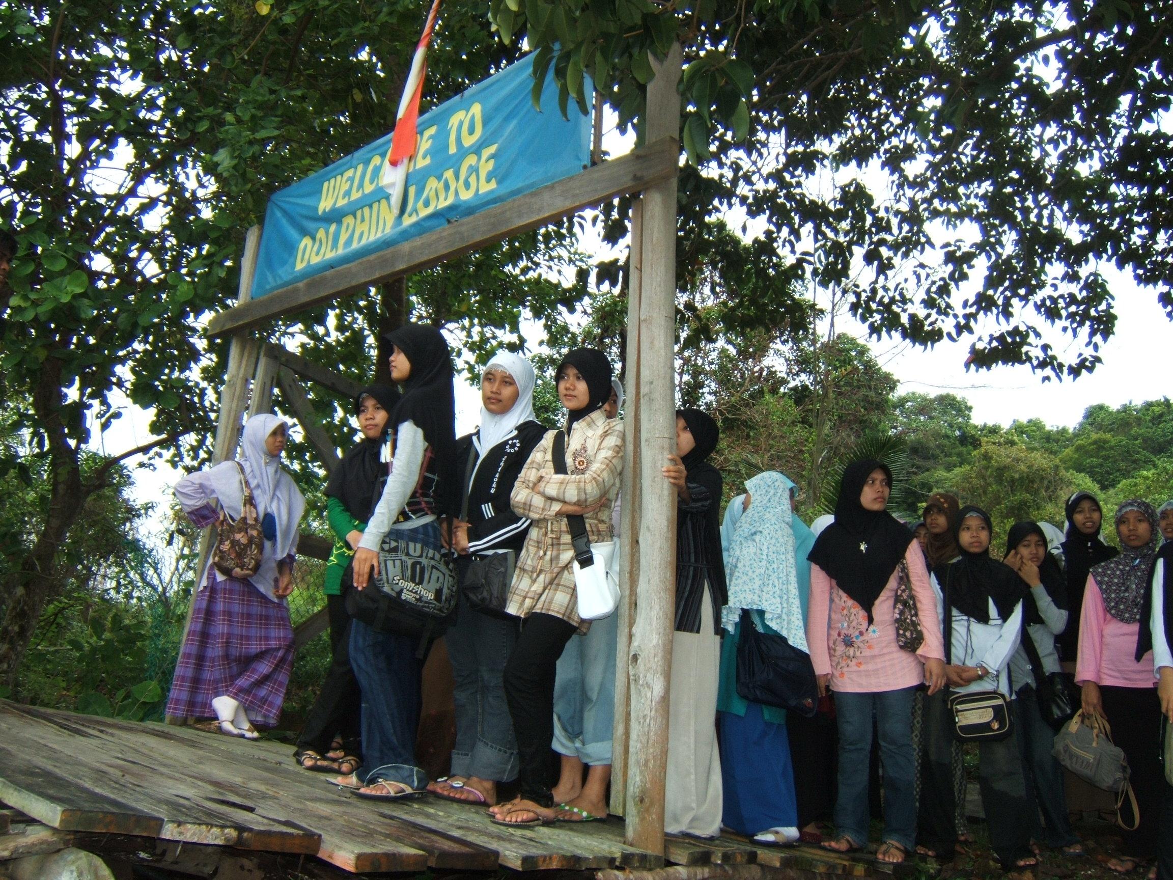 """Welcome to Dolphin Logde""  di Pulau Mencadas Batam Kepulauan Riau Indonesia"