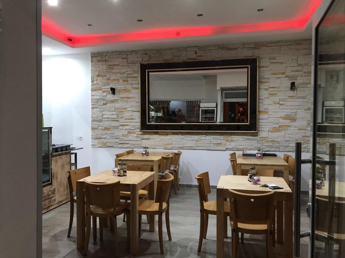 Restaurant mit Beleuchtung