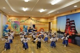 танец юных моряков