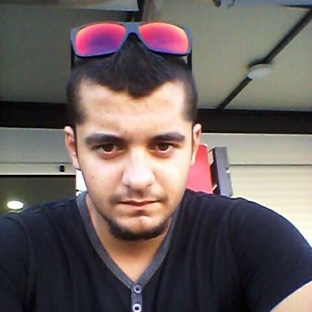 Ο άτυχος συμπολίτης μας Μιχάλης Τζαβαλάς. Δεκάδες Ζακυνθινόπουλα εκφράζονται με βαθιά θλίψη στο FB για τον φίλο που έχασαν