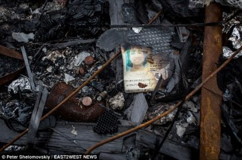 278365be00000578-3036548-chilling_mailonline_s_photographer_spotted_the_burned_and_torn_p-a-61_1428936904333