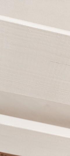 Een palletbank verven en beschermen tegen de winter Zo doe je dat! - closeup