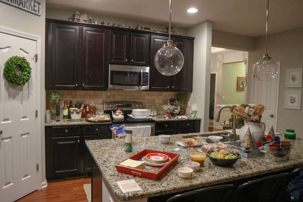 How to Host a Holiday Gathering with Zoës Kitchen - I'm Fixin' To - @mbg0112