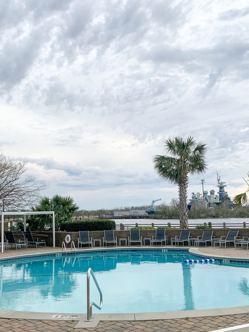 | Hotel Ballast in Wilmington, NC review featured by top North Carolina travel blogm, I'm Fixin' To