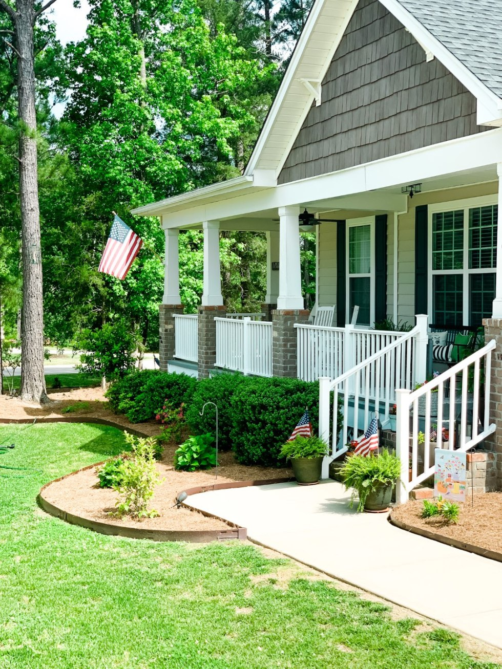 3 Tips for Making the Most of Your Front Porch - I'm Fixin' To - @mbg0112