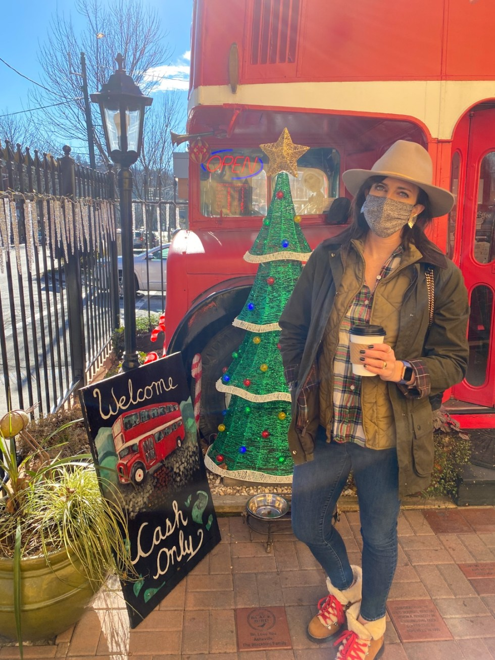 Christmas in Asheville: a Weekend Getaway During the Holidays - I'm Fixin' To - @imfixintoblog |Christmas in Asheville NC by popular NC lifestyle blog, I'm Fixin' To: image of Double D's coffee and dessert.