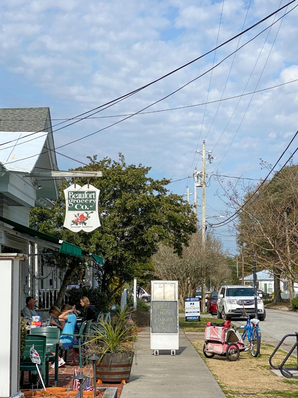 Weekend Travel: The Best Things to Do in Beaufort NC in 48 Hours - I'm Fixin' To - @imfixintoblog |Things to Do in Beaufort NC by popular NC travel blog, I'm Fixin' To: image of Beaufort Grocery Co.