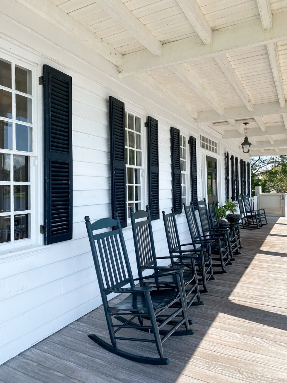 Top 10 Best Things to Do in Edenton, NC: A Complete Travel Guide - I'm Fixin' To - @imfixintoblog Edenton Travel Guide by popular NC travel guid, I'm Fixin' To: image of the Penelope Barker home.