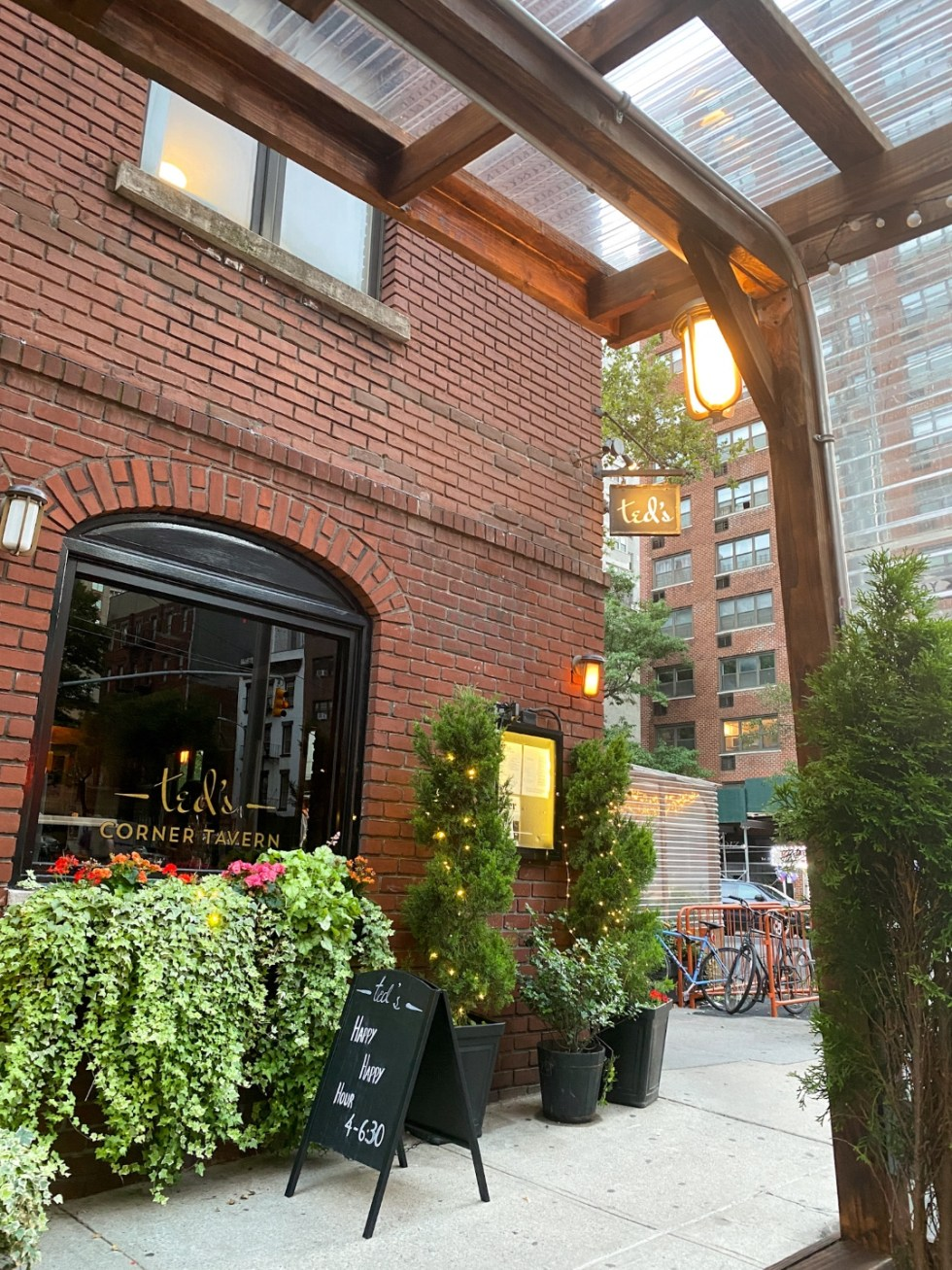 NYC Summer Weekend: Things to Do in NYC in the Summer - I'm Fixin' To - @imfixintoblog   NYC Summer Weekend by popular NC travel blog, I'm Fixin' To: image of Ted's Corner Tavern.