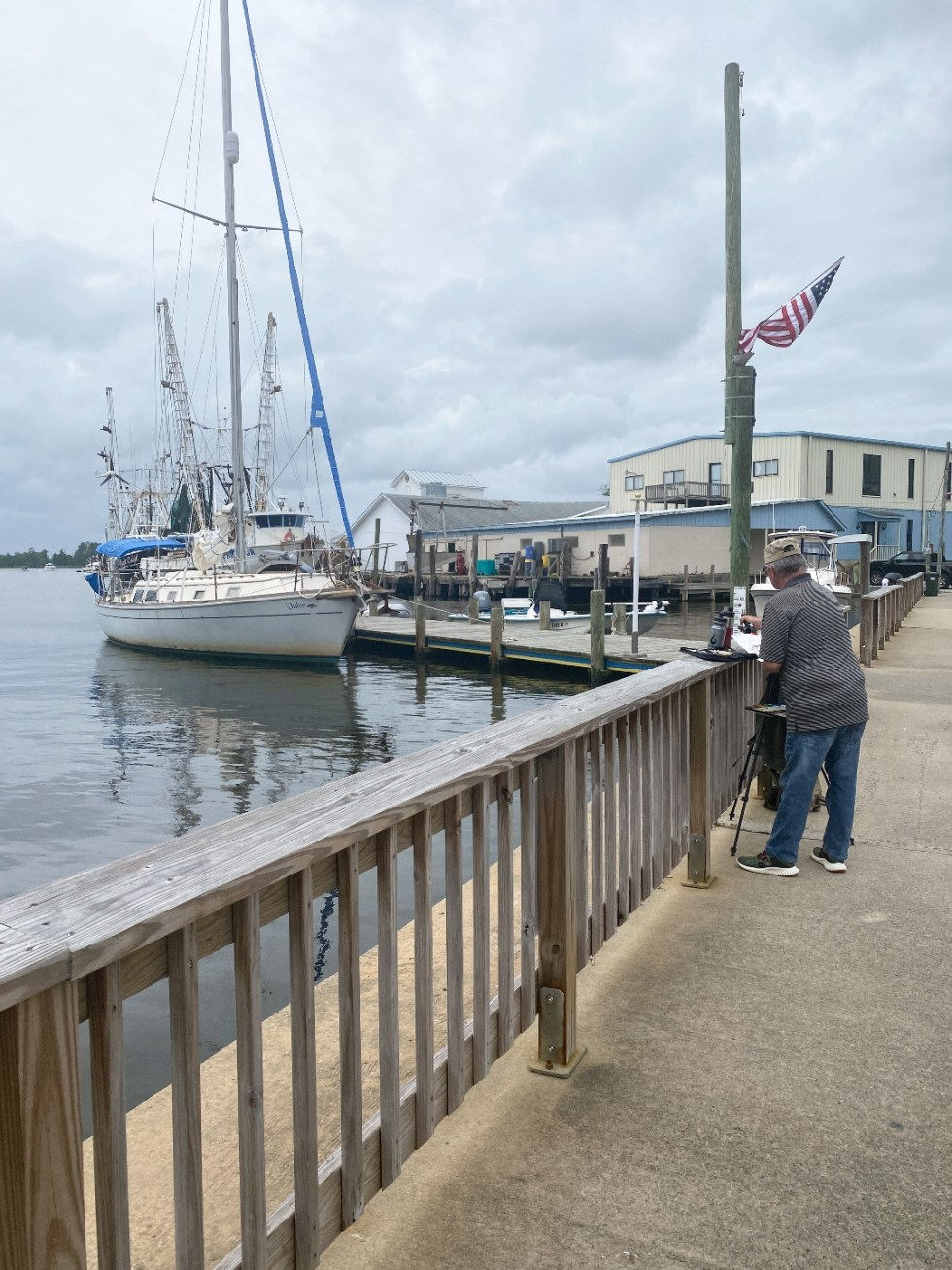 What to Do in Oriental, NC - I'm Fixin' To - @imfixintoblog | Things to do in Oriental NC by popular NC travel blog, I'm Fixin' To: image of the Oriental NC marina.