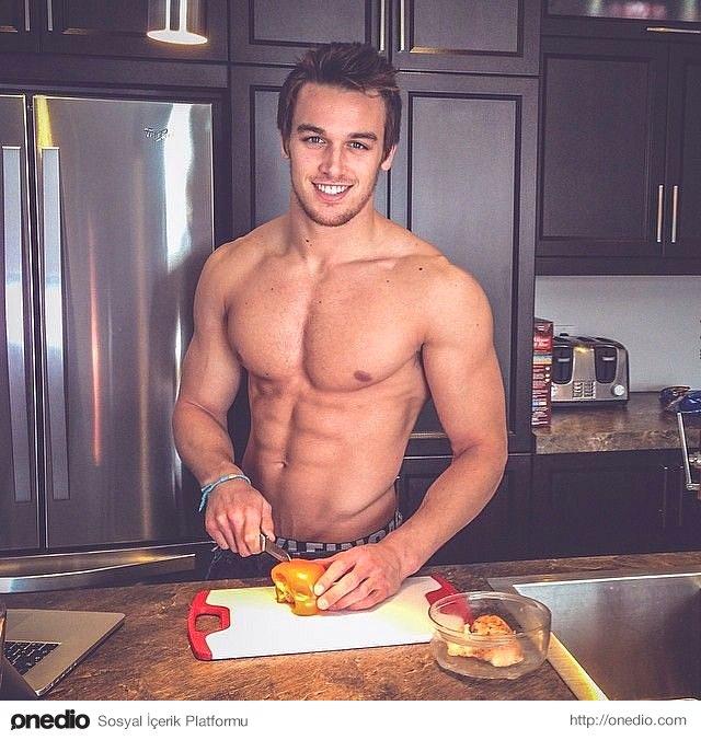 Açık sözlü ve sevecendirler... Eğer hayatınızda mutfağa girmesini bilen bir erkek varsa kaçırmayın.