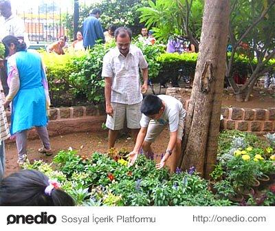 Yardımsever ve sosyal projelerde yer almayı seven kişilerdir.