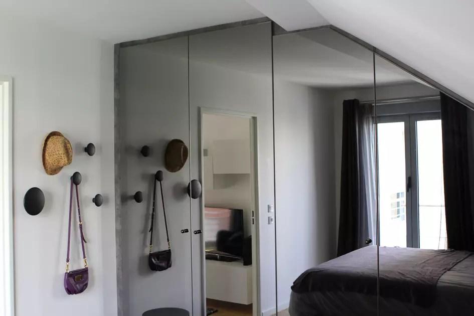 https deco journaldesfemmes fr chambre 2689749 en photos inspirations pour votre petite chambre 2689755 porte miroir