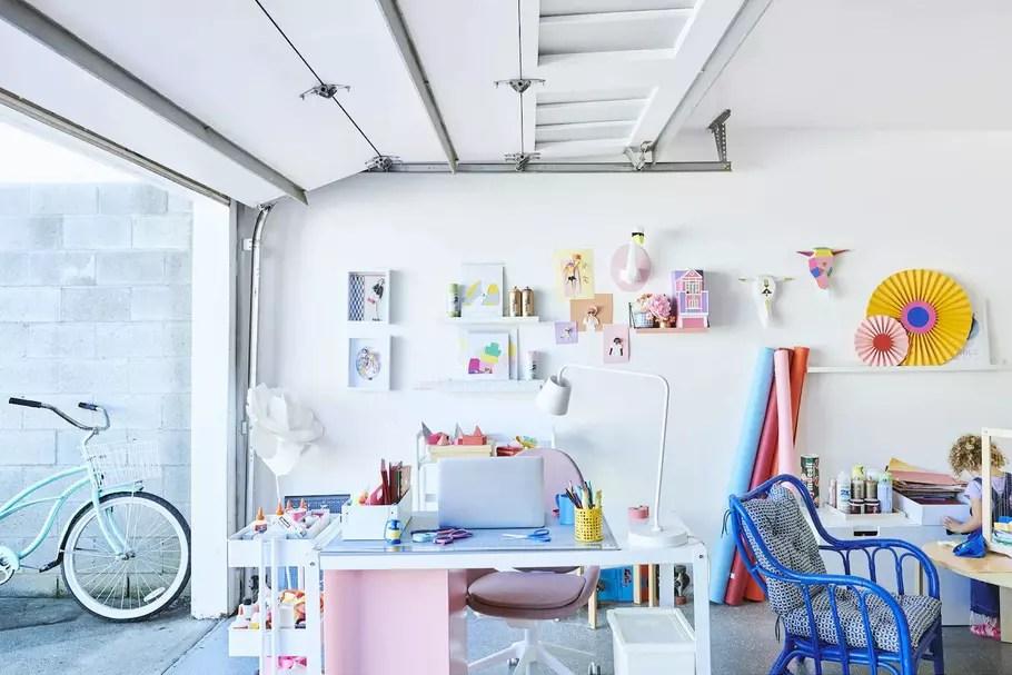 un garage en chambre atelier