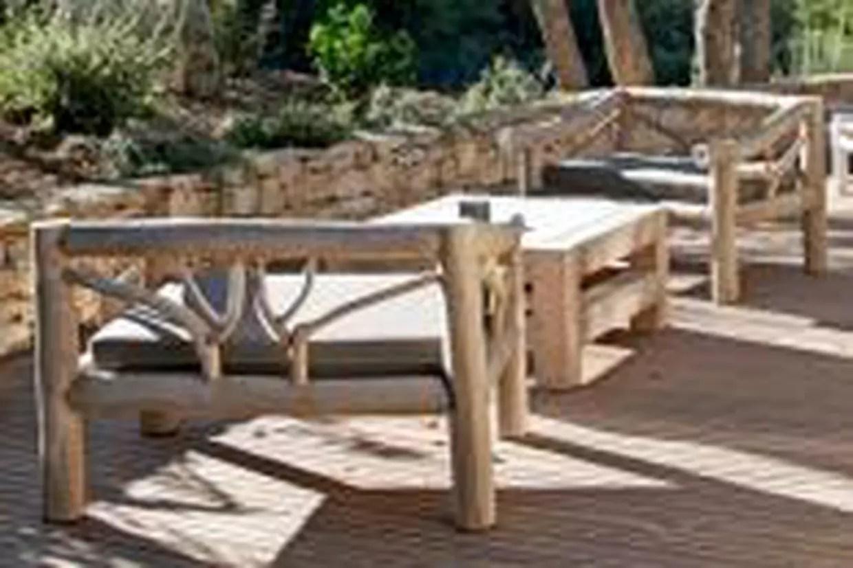 mobilier de jardin en bois massif