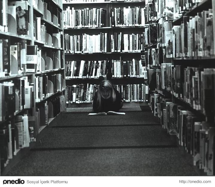 Kitaplarla baş başa kalmayı seversiniz, sessiz ortamlar sizin için muhteşemdir.