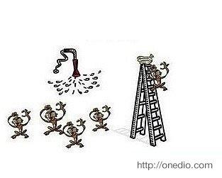 Ne zaman bir maymun merdivenin tepesindeki muzlara ulaşmaya çalışsa bilim adamları diğer maymunları soğuk suyla sırılsıklam ıslatıyorlar.
