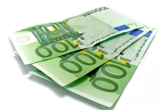 New 100 and 200 euro banknotes: small changes to note