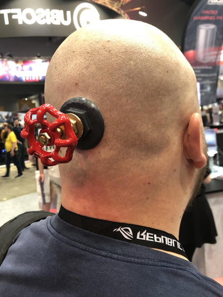Valve Guy Open Your Mind Simple Effective Cosplay Turning