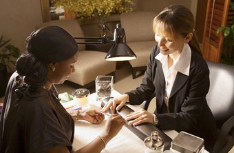 Select A Nail Technician With Good Skills And An Ening Personality