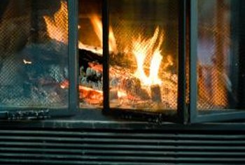Do You Keep Glass Doors Open On A Fireplace When Burning A
