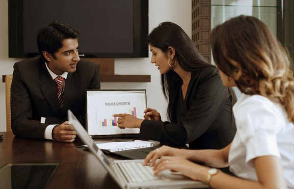 What Are The Job Descriptions Of A Corporate Lawyer Woman