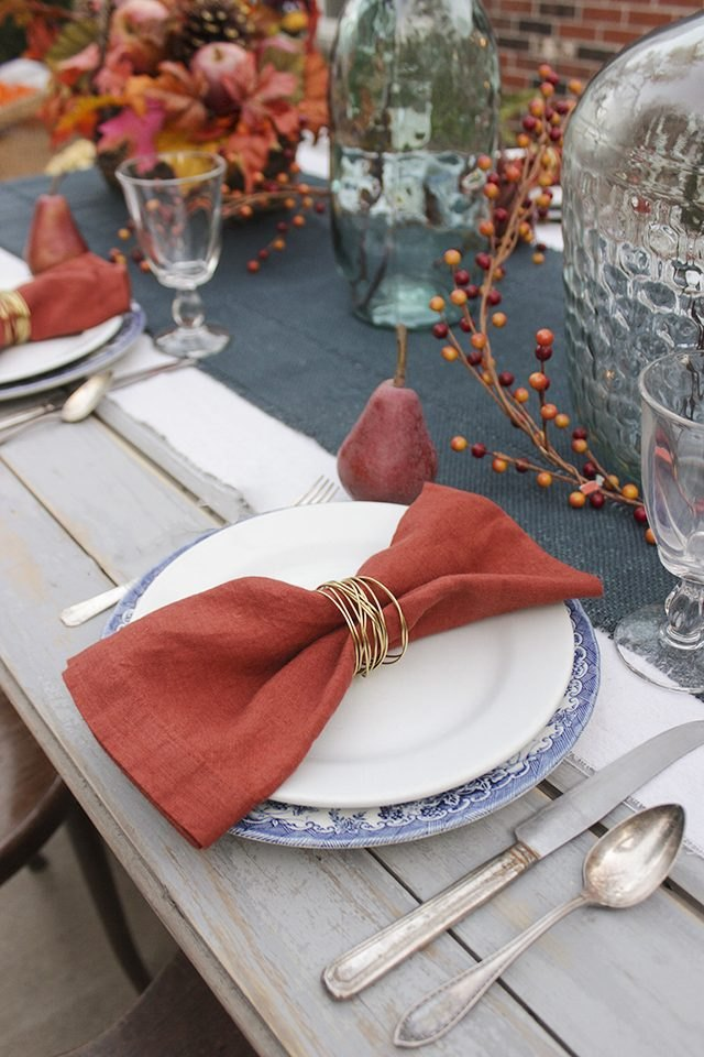 Gold wire napkin rings