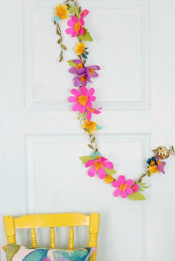 https://www.ehow.com/how_4421290_make-paper-flower-garlands.html