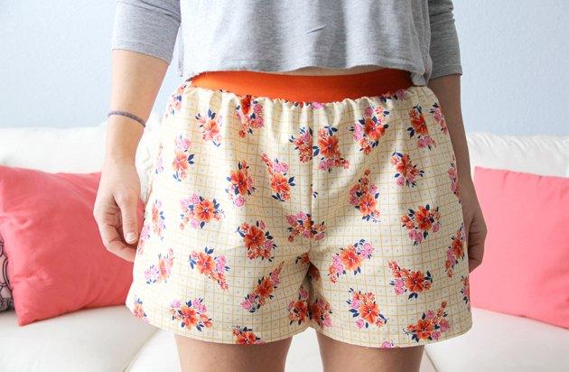 Comment faire boxer shorts femmes faciles (avec le motif à imprimer gratuitement).