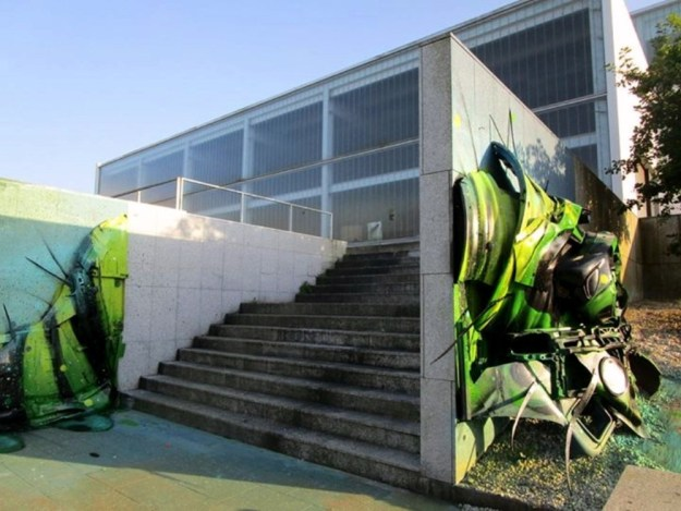 Junk-Gets-a-Second-Life-as-Gorgeous-3D-Animal-Street-Art-12-1
