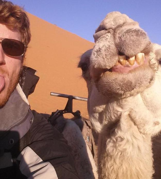 17 Selfies That Went To The EXTREME 8