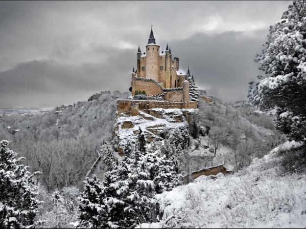 3) The Alcazar of Segovia, Spain