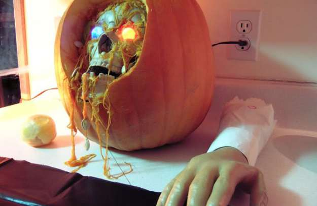 Mindblowing Halloween Pumpkin Carvings 11