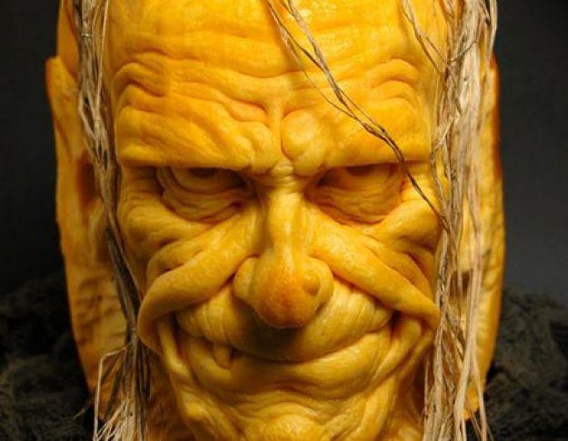 Mindblowing Halloween Pumpkin Carvings 21
