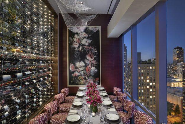 25 World's Best Restaurant Views 36
