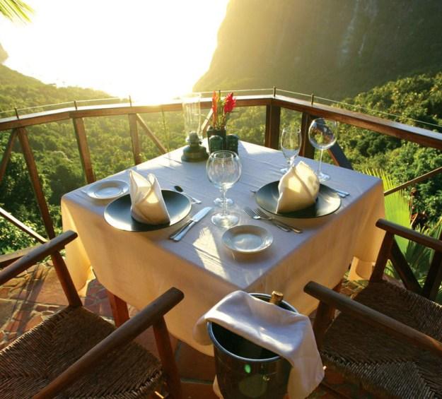 25 World's Best Restaurant Views 38