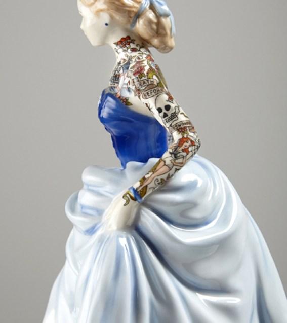 Jessica-Harrison-Tattooed-Porcelain-Figurines-17