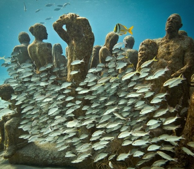 astonishing_underwater_museum_in_cancun_mexico_05