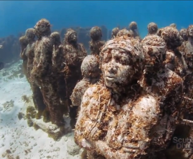 astonishing_underwater_museum_in_cancun_mexico_10