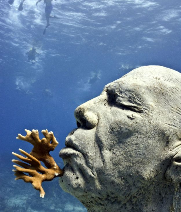 astonishing_underwater_museum_in_cancun_mexico_17