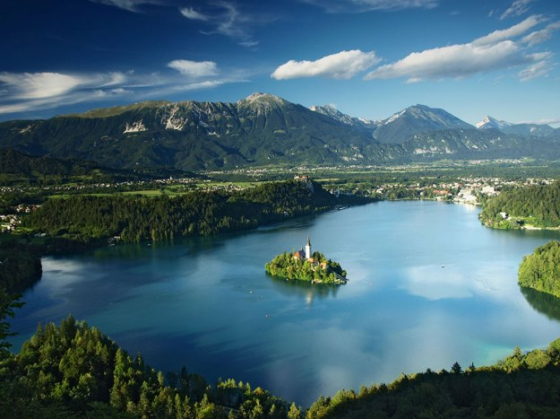 14-most-gorgeous-lakes-on-the-planet-014