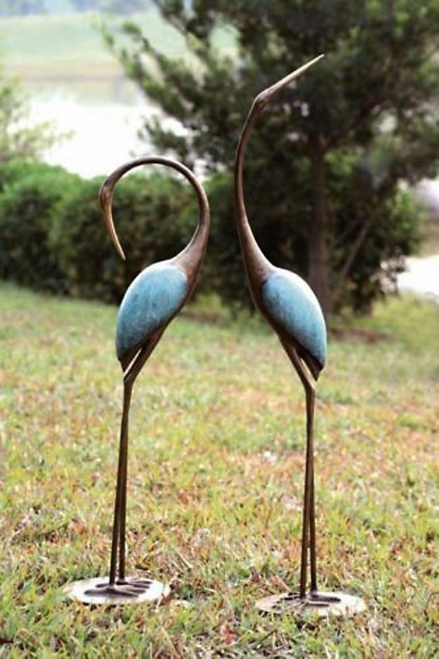 20-extravagant-garden-sculptures-04
