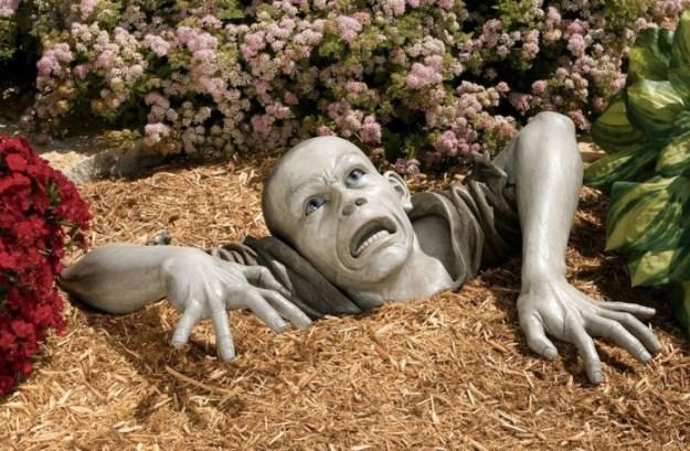 20-extravagant-garden-sculptures-14