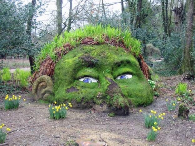 20-extravagant-garden-sculptures-17