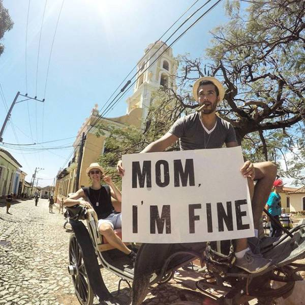 guy-quits-his-job-to-become-an-internet-sensation-and-tell-his-mom-hes-fine-06