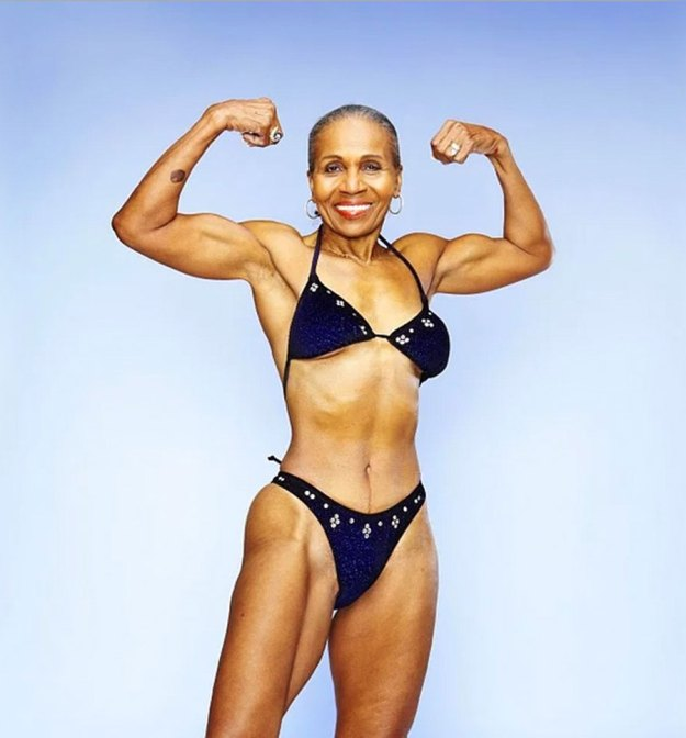worlds-fittest-grandma-body-builder-just-celebrated-her-80th-birthday-03